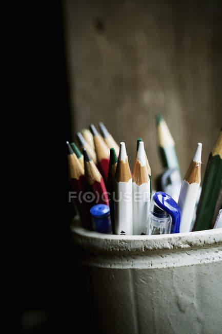 Горщик заточені олівці — стокове фото