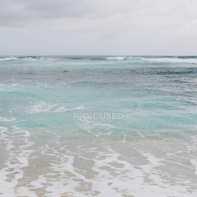 Turquoise ocean water — Stock Photo