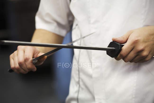 Coltello per affilare chef con acciaio levigato — Foto stock