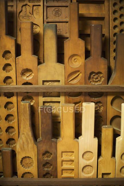 Stampi tradizionali in legno per diverse varietà . — Foto stock