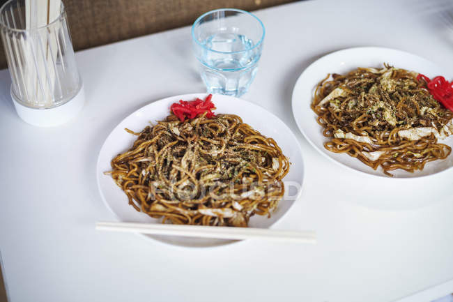 Two plates of Soba noodles — Stock Photo