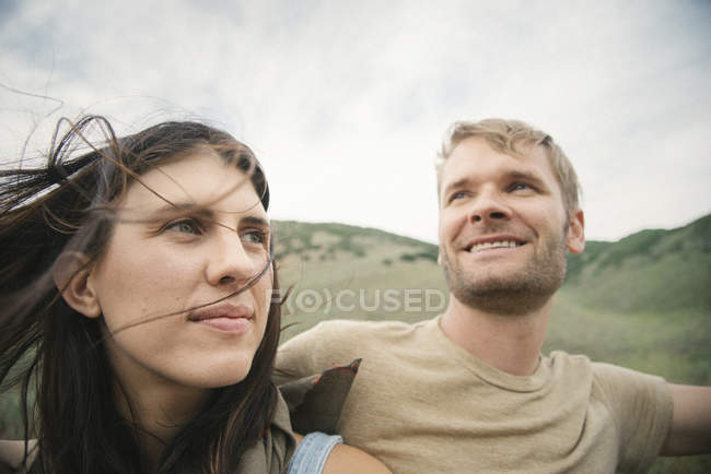 Couple on road trip — Stock Photo
