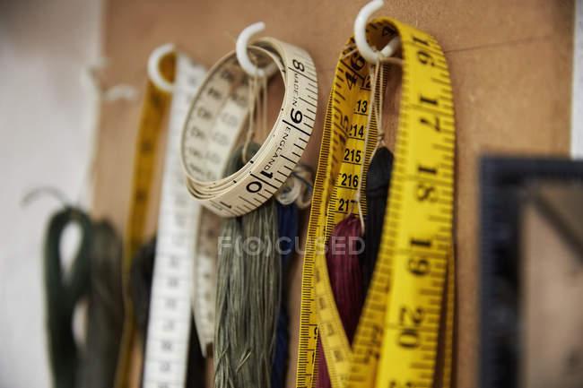 Ganchos e linhas de medição — Fotografia de Stock