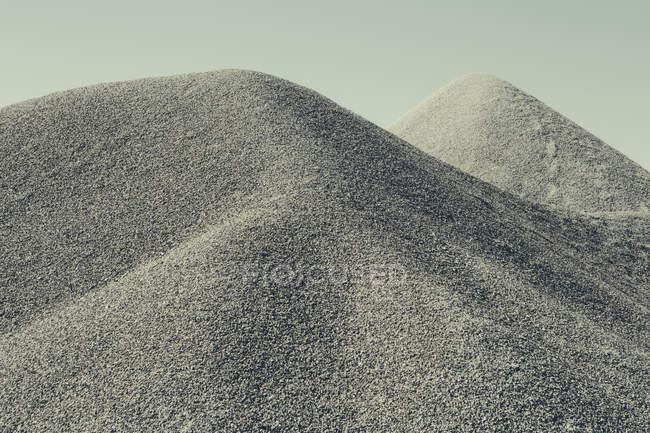 Pilha de cascalho no deserto — Fotografia de Stock