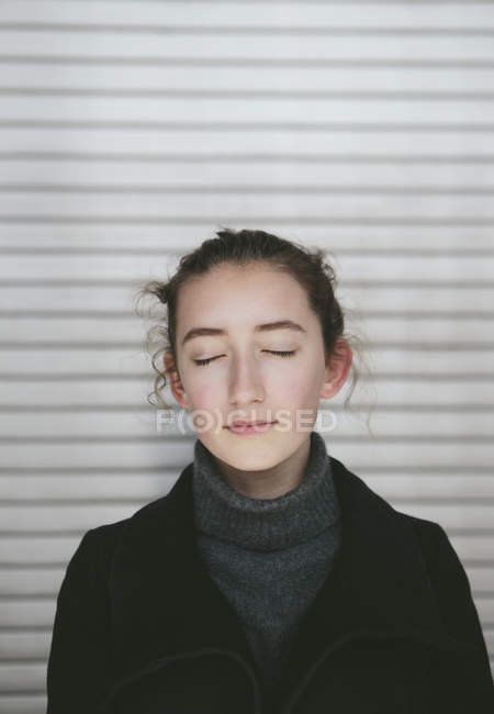 Portrait of teenage girl — Stock Photo