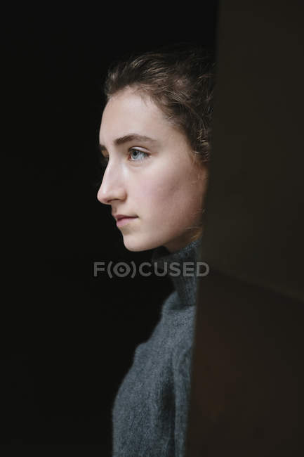 Portrait of teenage girl — Stock Photo