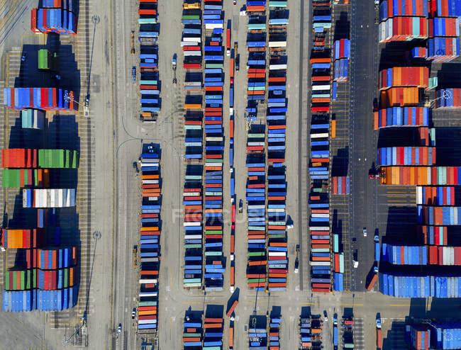 Vue aérienne du port de conteneurs — Photo de stock