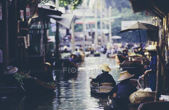 Damnoen saduak плавучий ринок — стокове фото