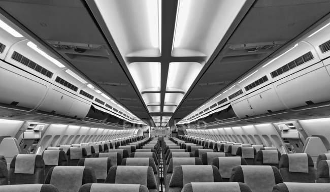 Интерьер салона самолета с мест — стоковое фото