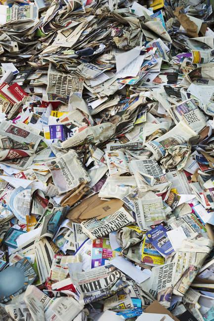 Les couches dans un centre de recyclage — Photo de stock