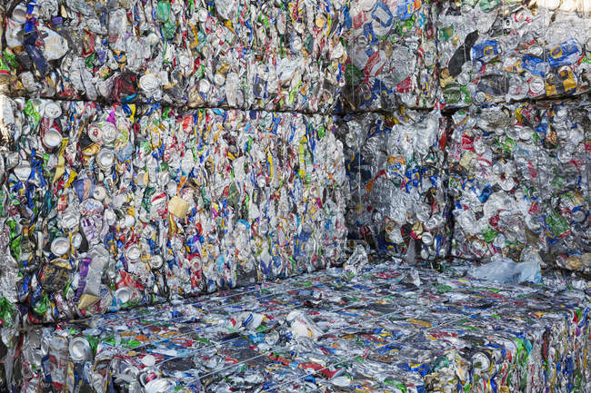 Связки пластиковых бутылок — стоковое фото