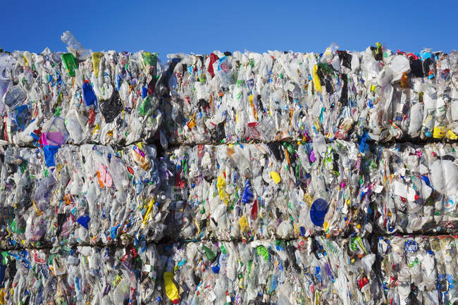 Pacotes de garrafas de plástico — Fotografia de Stock