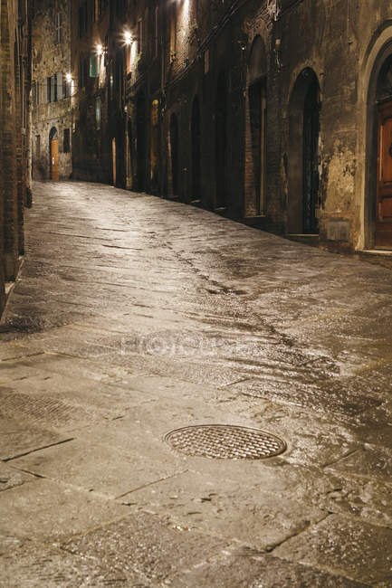 Deserted narrow street — Stock Photo