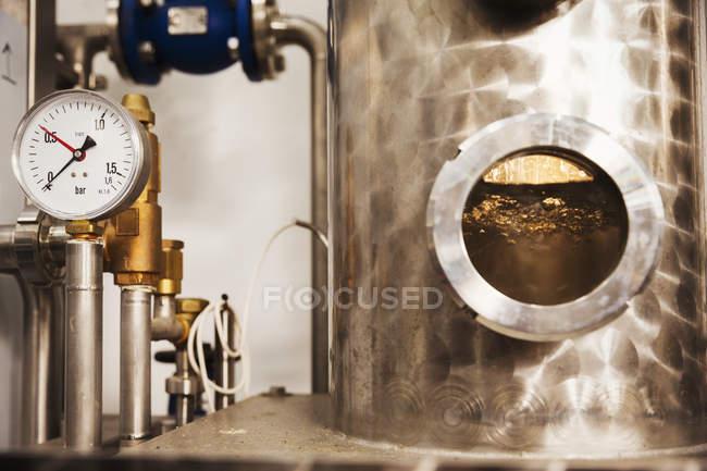 Câmara de destilaria de cerveja de cobre — Fotografia de Stock