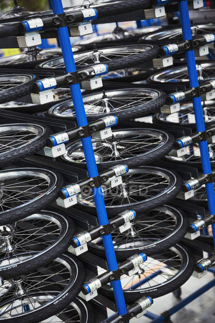 Bicycle wheels in bicycle factory. — Stock Photo