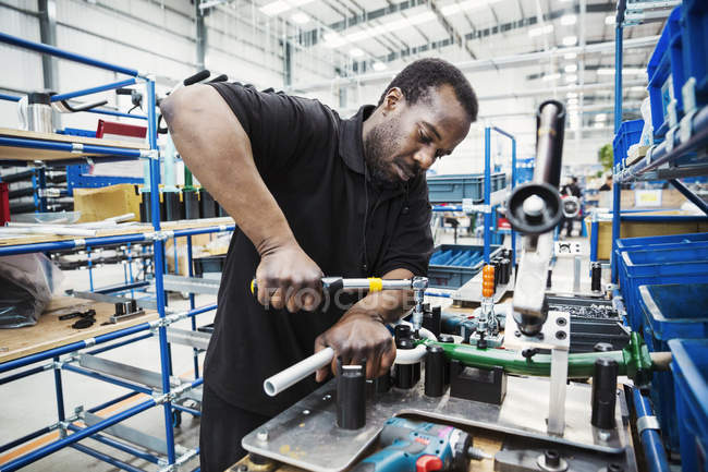 Male skilled factory worker — Stock Photo