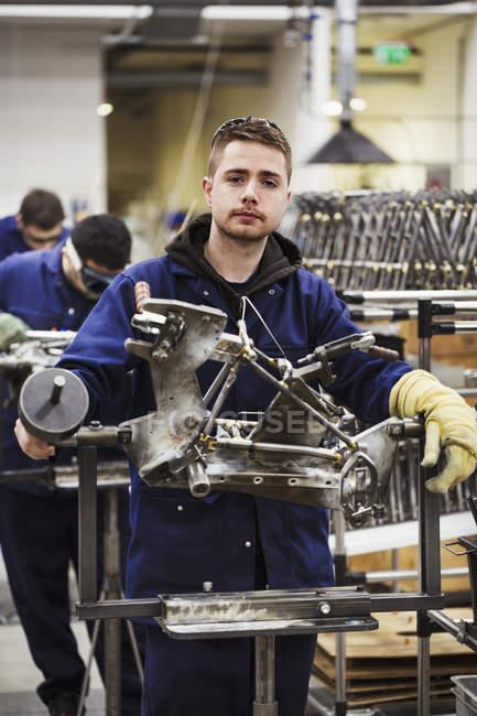 Obrero especializado masculino - foto de stock
