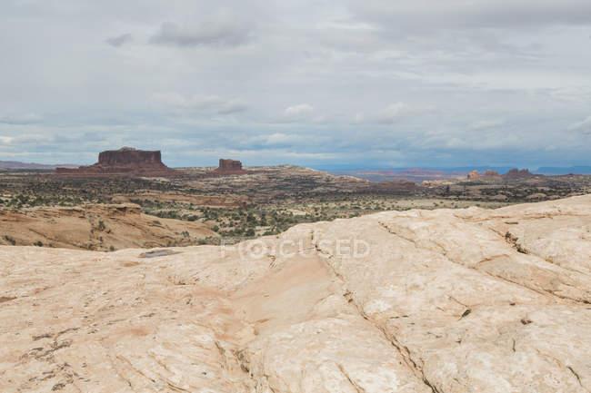 Mesas e rochas esculpidas — Fotografia de Stock