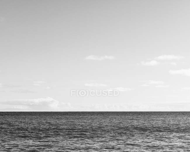 Horizonte sobre a água — Fotografia de Stock