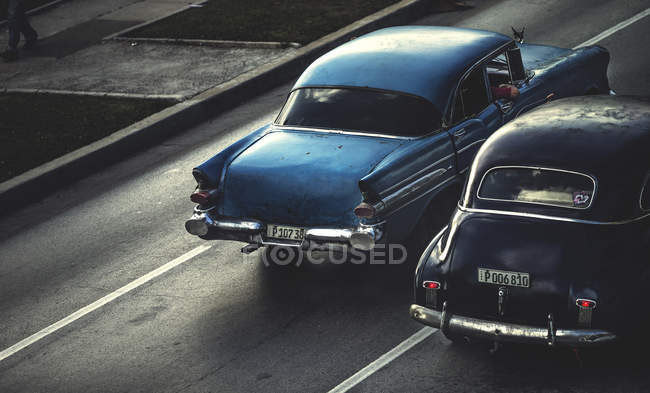 High angle shot of classic cars — Stock Photo