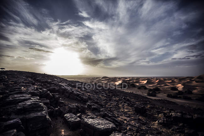 Felsige wüstenlandschaft — Stockfoto