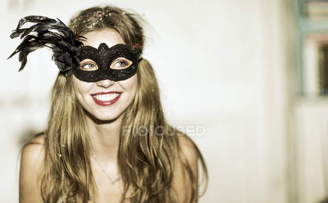 Woman at glitter party — Stock Photo