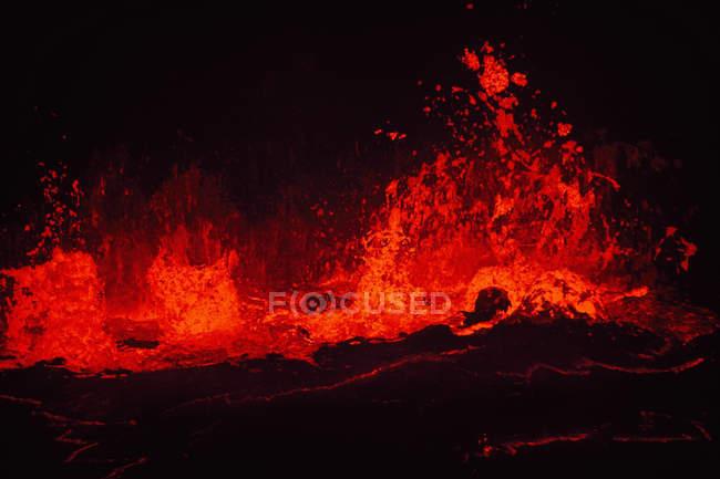 Padrão natural de Lago de lava na cratera. — Fotografia de Stock