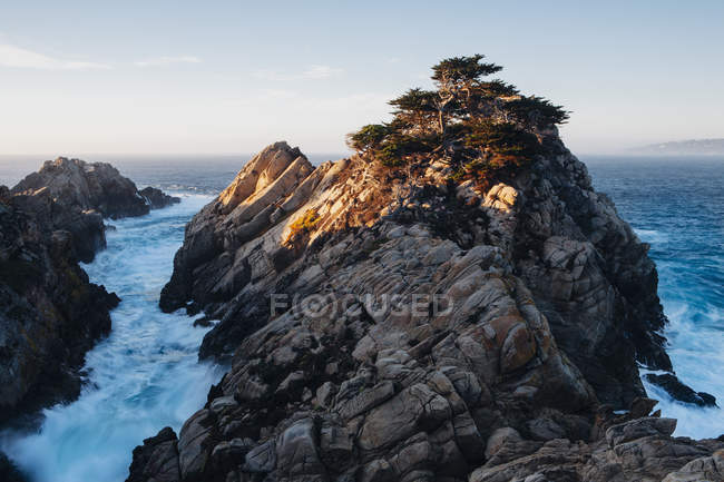 Dramatic cliffs and coastline at dusk in Point Lobos on Pacific coastline. — Stock Photo