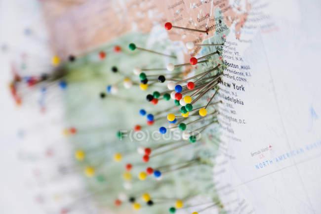 Spille sulla mappa di Stati Uniti e confine canadese a Seattle, Washington, Stati Uniti — Foto stock