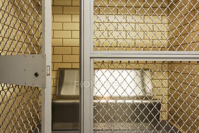 Пустая тюрьма в Далласе, штат Техас, США — стоковое фото