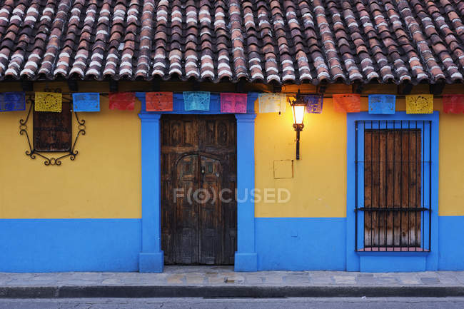 Colorful colonial architecture on street — стокове фото