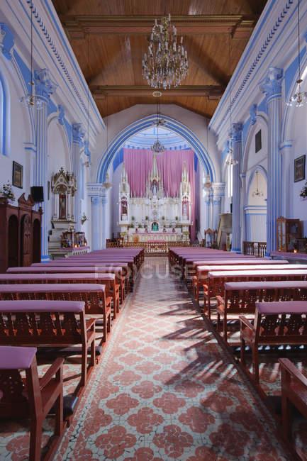 Sanctuary of Church of Santa Luca interior, Chiapas, Mexico — Stockfoto