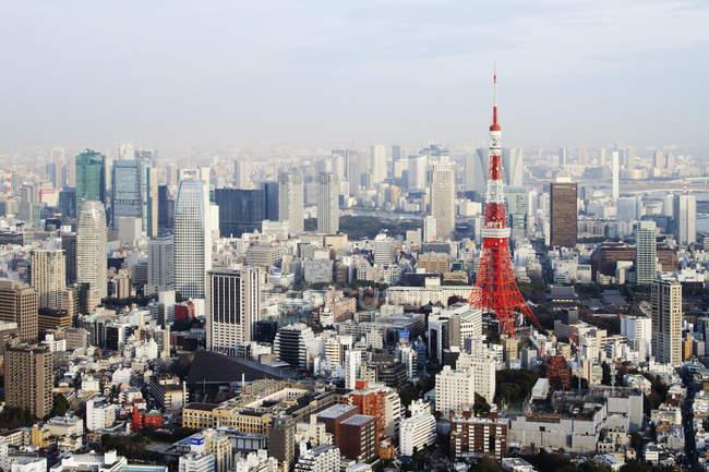 Gratte-ciel de Skyline dans le centre de Tokyo, Japon — Photo de stock