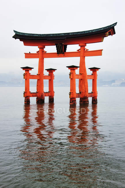 Gate at Itsukushima-Jinja Shrine of Miyajima Island, Japan — Stock Photo