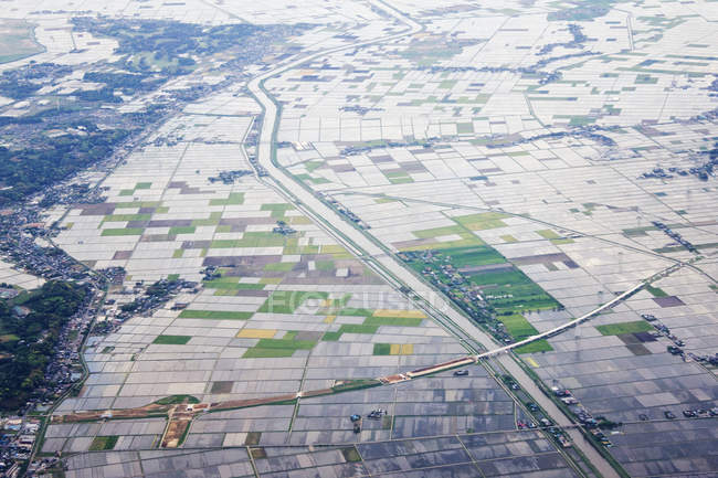 Vista aérea de los campos de cultivo inundados de Japón - foto de stock
