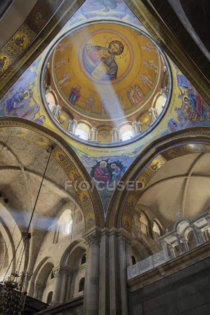 Innenraum der Kirche des heiligen Grabes, jerusalem, israel — Stockfoto