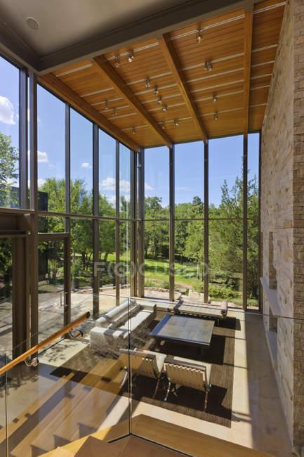 Spacieux salon de la maison à Dallas, Texas, États-Unis — Photo de stock