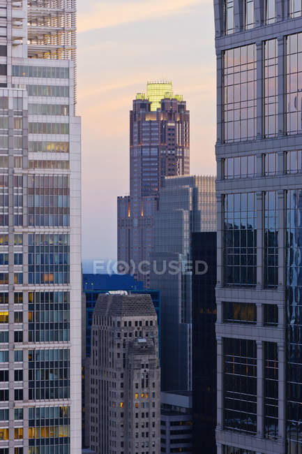 Chicago skyscrapers in downtown, Illinois, USA — Stock Photo