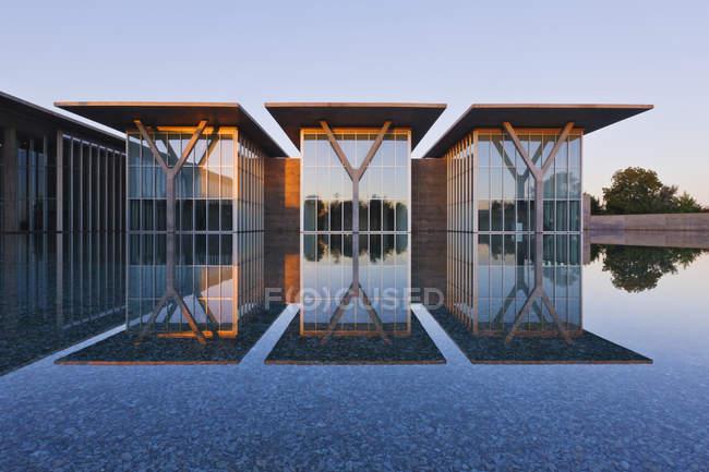 Edificio de galería de arte moderno en Fort Worth, Texas, EE.UU. - foto de stock