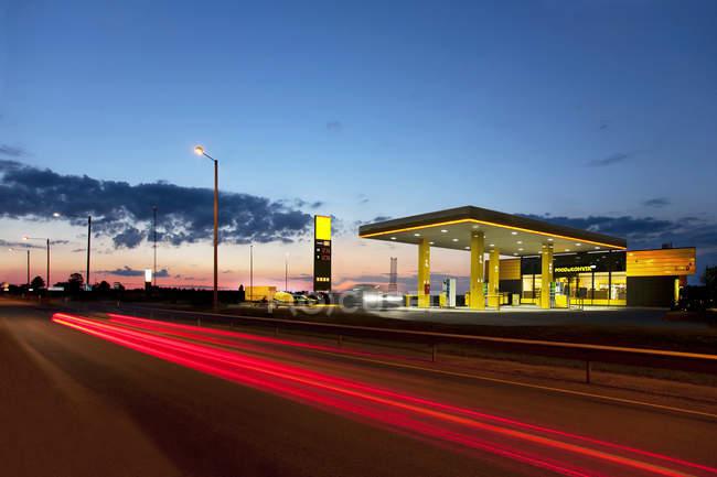Moderne Tankstelle in Tartu, Estland — Stockfoto