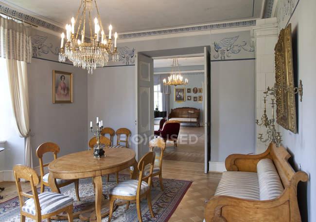 Palmse Manor elegantes Esszimmer, Estland — Stockfoto