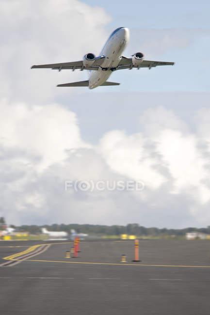 Airplane taking off in Tallinn airport, Estonia — Stock Photo