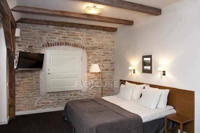 Interno camera da letto dell'hotel Vihula Manor in Estonia — Foto stock