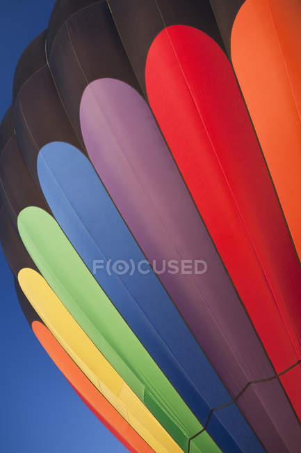 Patrón multicolor del globo de aire caliente, marco completo - foto de stock