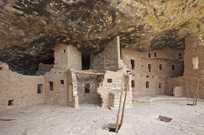 Nativo americanas cliff habitações, Mesa Verde, Colorado, EUA — Fotografia de Stock