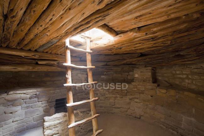 Interior do povoado indígena, Mesa Verde, Colorado, EUA — Fotografia de Stock