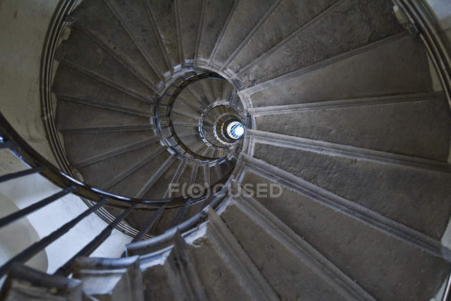 Spiral staircase pattern in building interior, London, England, UK — Stock Photo