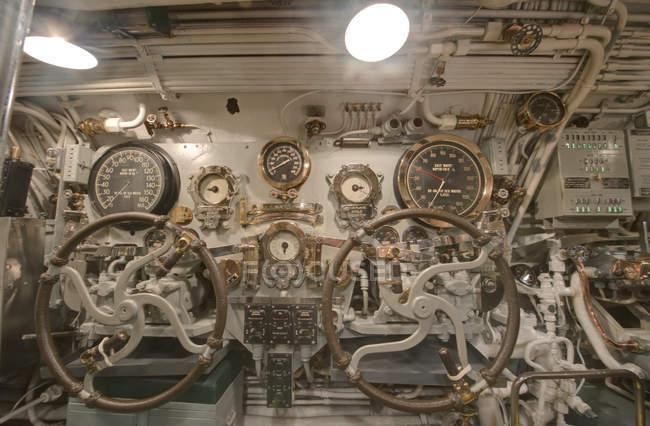 Section de pilotage du musée des navires de la marine USS Bowfin, Honolulu, Hawaï, États-Unis — Photo de stock