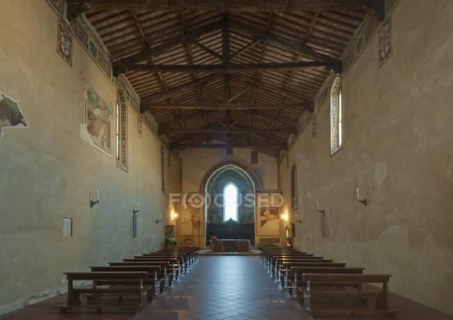 Kirche von San Francesco Interieur, Toskana, Italien — Stockfoto