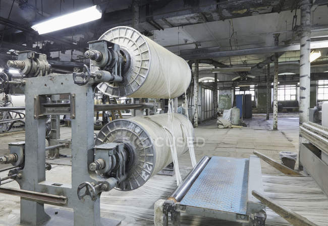 Industrial loom in textile factory, Nikologory, Russia — Stock Photo